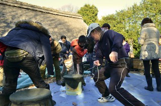 Begoma(Japanese traditional spinning top) Tournament